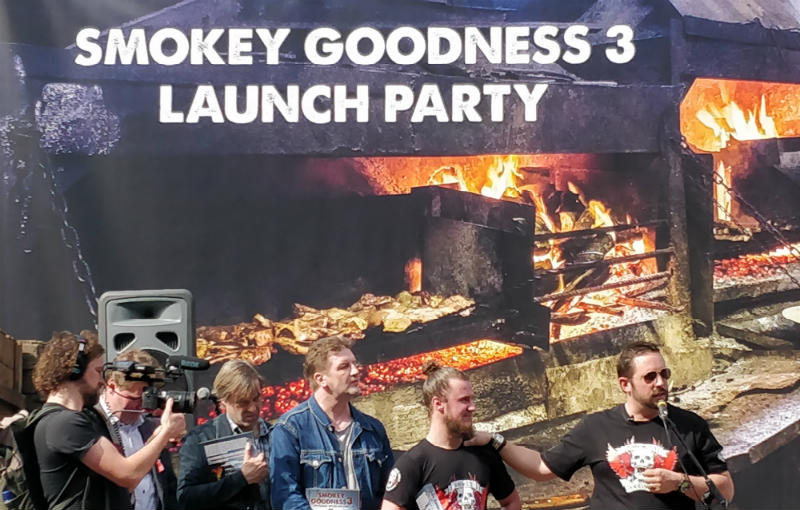 smokey goodness jord op het podium